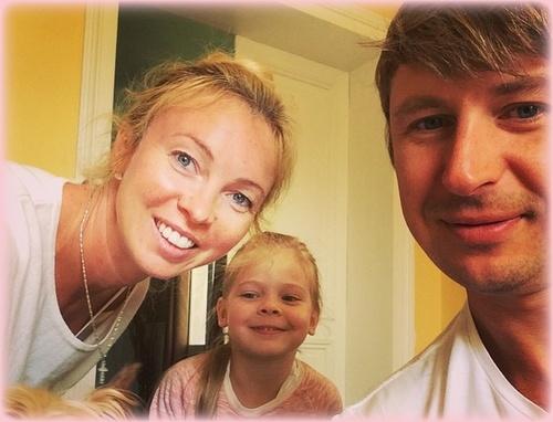 Алексей Ягудин и Татьяна Тотьмянина показали новорожденную дочь