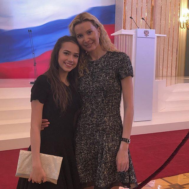 Этери Тутберидзе с Алиной Заготовой