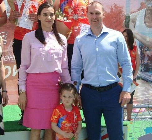 Исинбаева дважды мама